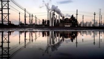 Precios del petróleo registran bajas antes de reunión