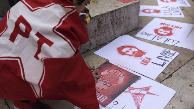 PT reafirma candidatura presidencial de Lula da Silva