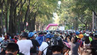 Ciclistas participan en rodada en CDMX por Día Mundial de la Bicicleta