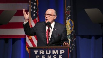 Rudolph Giuliani se suma equipo legal Donald Trump