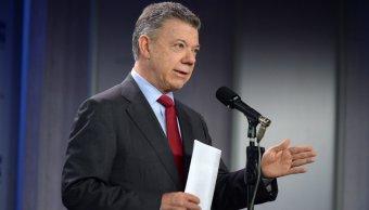Santos intenta calmar FARC captura líder Santrich