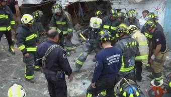 Se derrumba edificio tras explosión en Iztacalco