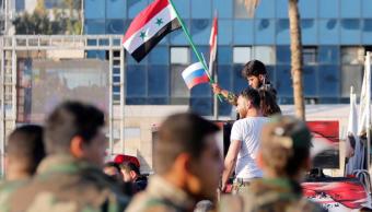 Sirios manifiestan su apoyo a ejército de Assad en calles de Damasco