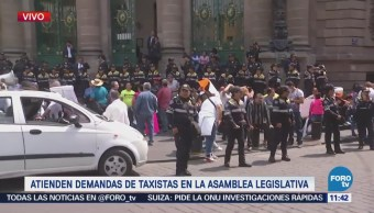 Taxistas se manifiestan frente a la Asamblea Legislativa de la CDMX