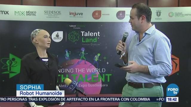 Una charla con el robot humanoide Sophia en Talent Land 2018
