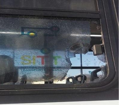 vandalizan camiones de transporte publico en tijuana baja california