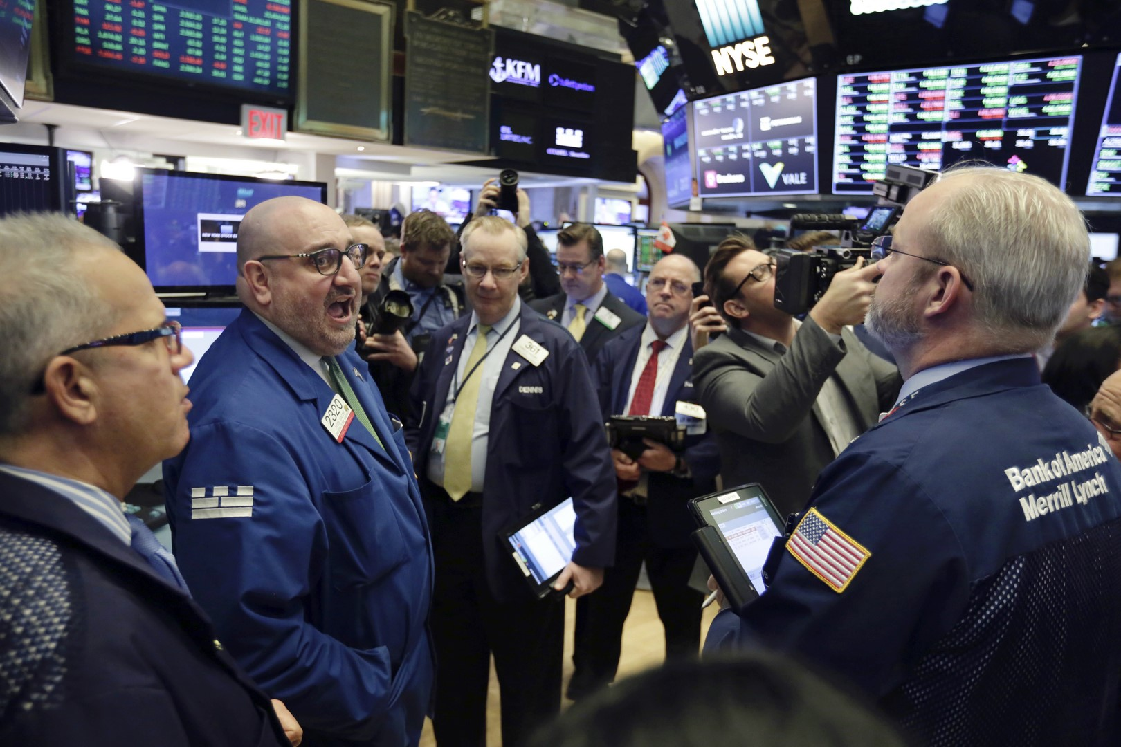 Wall Street se desploma: Dow Jones cae 1.72%