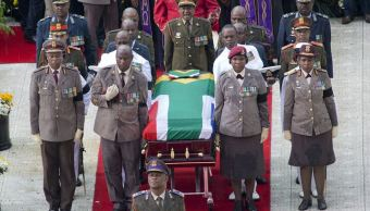 Sudáfrica se despide para siempre de Winnie Mandela, segunda esposa de Nelson Mandela