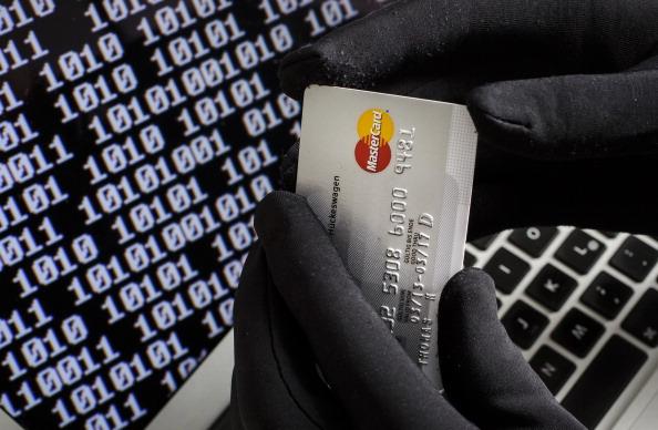 Ante retrasos en transferencias por ciberataque clientes toman sus precauciones