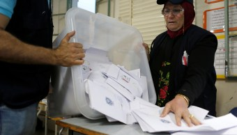Líbano cierra sus colegios electorales para elegir diputados