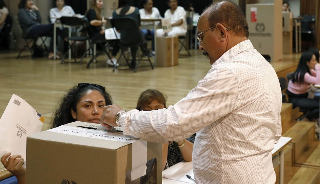 Votantes eligen al nuevo presidente de Colombia