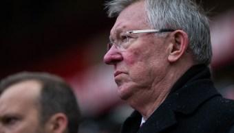 Alex Ferguson se recupera en un hospital tras cirugía cerebral
