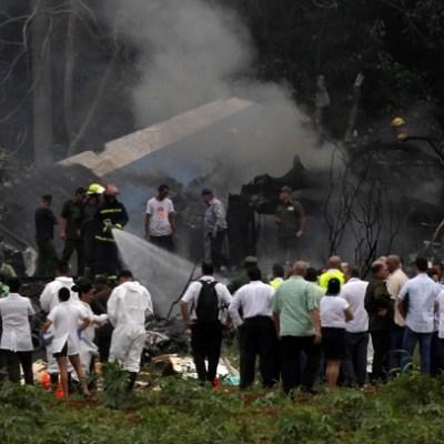 Llegan restos de mexicanos fallecidos en avionazo en Cuba
