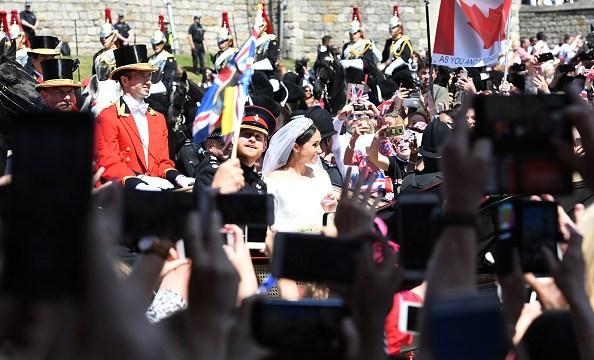 El príncipe Enrique y Meghan Markle hechizan las calles de Windsor
