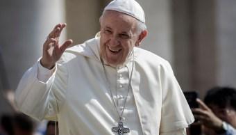 Papa llama a una total transformación eclesial en Chile
