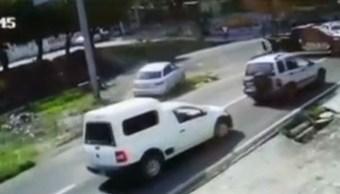 jovenes asaltan gasolinera y atropellan policias yautepec morelos
