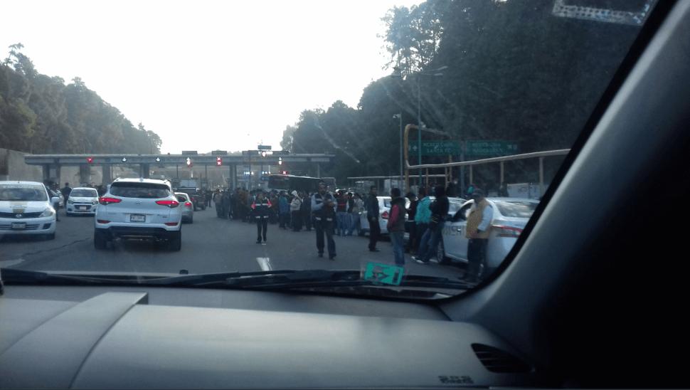 Transportistas del Estado de México llevan sus peticiones a Los Pinos