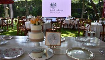 Británicos en México festejan la boda del príncipe Enrique y Meghan Markle