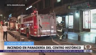 Bomberos sofocan incendio en panadería del Centro Histórico, CDMX