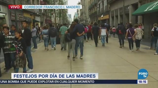 Capitalinos Pasean Centro Histórico Celebrar Mamá