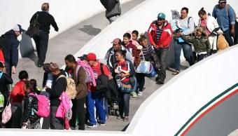 Aumenta número de migrantes que cruzan a EU desde Tijuana, Baja California