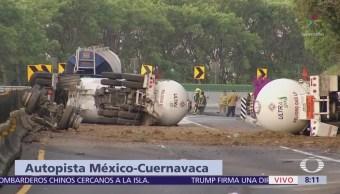 Chocan pipas contra tráiler en autopista México-Cuernavaca