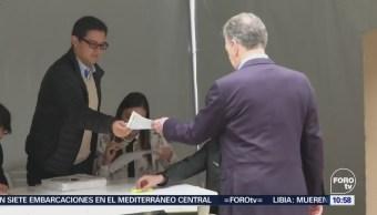 Colombianos Acuden Votar Elegir Presidente Colombia