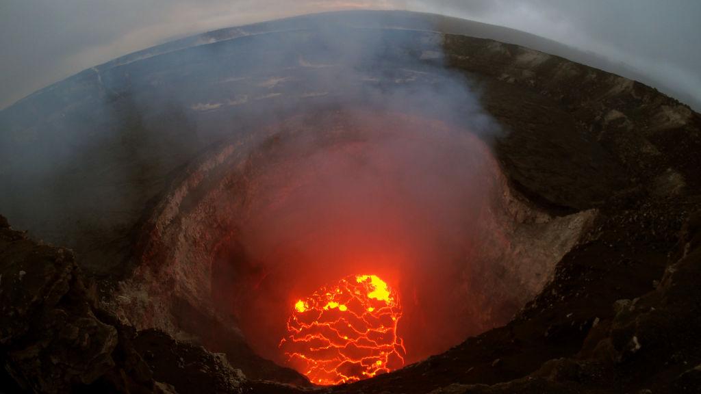 Lava volcán Kilauea provoca fascinación y riesgos
