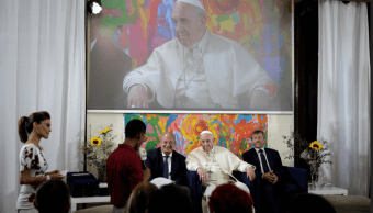 El papa pide a los jóvenes que suenen despiertos