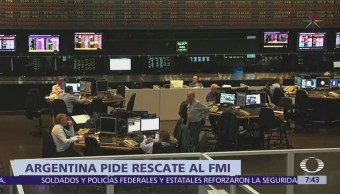 El presidente de Argentina pide ayuda al FMI