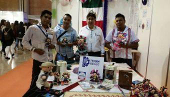 Reconocen proyecto de muñecas tradicionales de Querétaro, en Sevilla, España