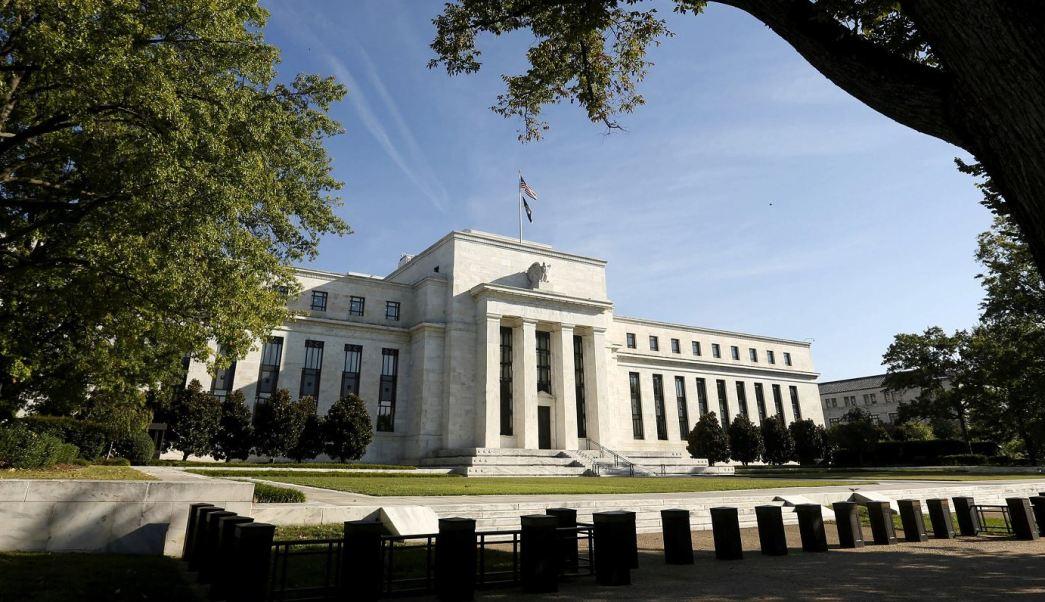 Minutas de Fed indican posible aumento de tasas de interés