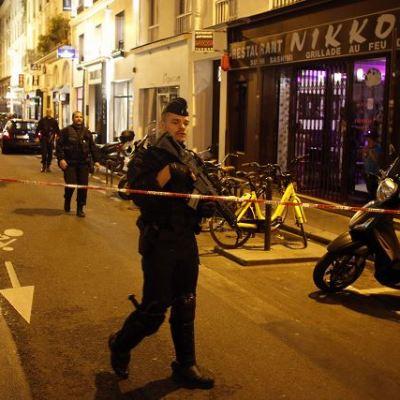 Ataque con cuchillo deja un muerto y 4 heridos en París