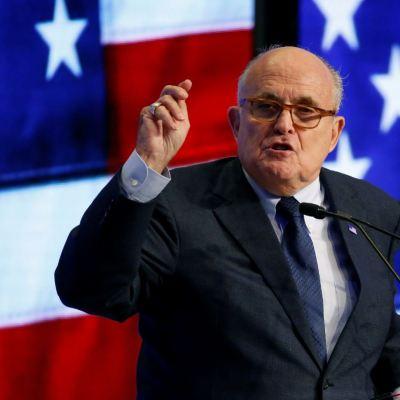 Mueller cerrará investigación sobre Trump antes de septiembre: Giuliani