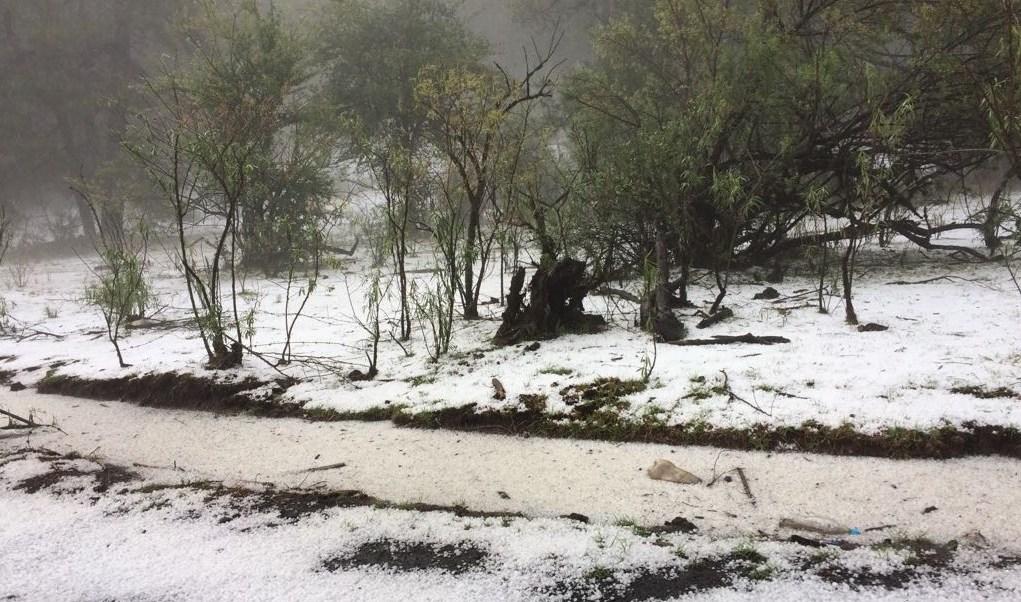 Lluvia y granizada afecta varios puntos de Morelia Michoacán
