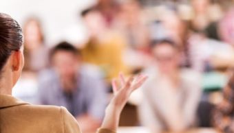 Hablar en público desarrolla habilidades y brinda seguridad a las personas