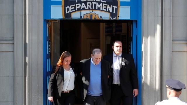Harvey Weinstein es acusado formalmente de violación