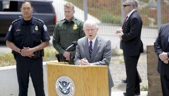 Protestan contra visita de Jeff Sessions en la frontera con México