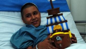 Médicos Marina operan éxito a niño herido durante sismo
