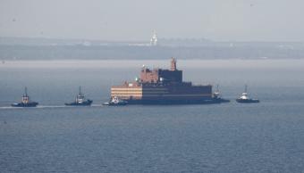 Zarpa la primera planta nuclear flotante del mundo