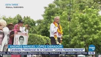 López Obrador Pide Justicia Víctimas Ayotzinapa