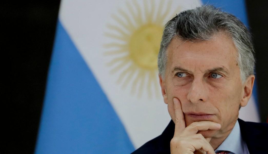 Macri negocia con FMI acuerdo para línea de apoyo