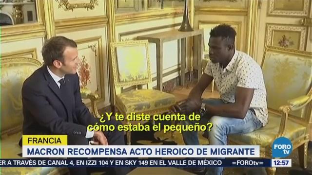 Macron promete ciudadanía a migrante de Mali
