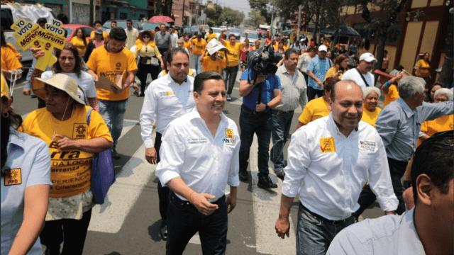 Militantes de Morena deciden cambiar a las filas del PRD