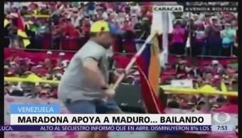 Maradona baila en cierre de campaña de Nicolás
