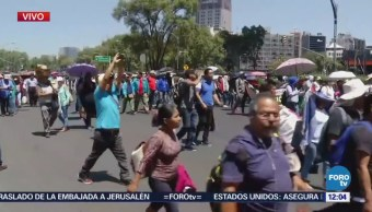 Marcha de la CNTE avanza a la altura del monumento 'Estela de Luz'