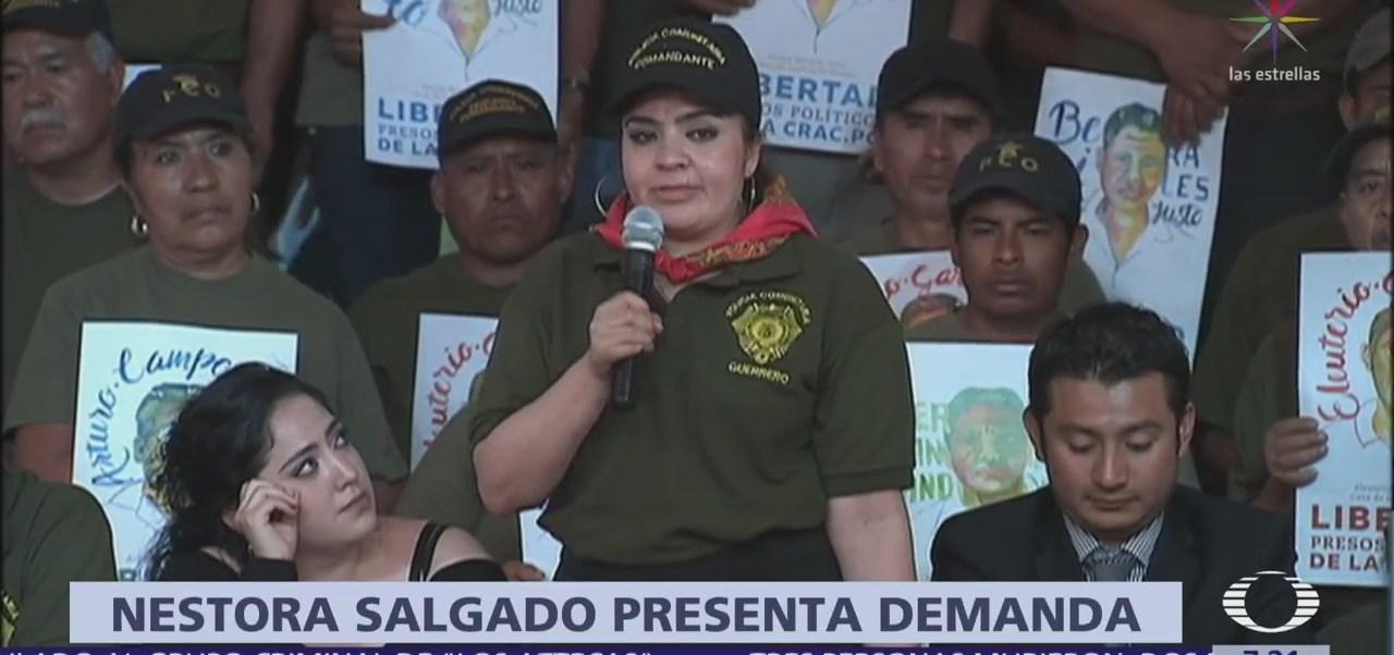 Nestora Salgado presenta demanda contra Meade