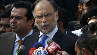 Disparan y hieren al ministro de Interior de Pakistán