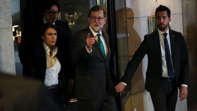 Partido socialista español votos destituir Mariano Rajoy