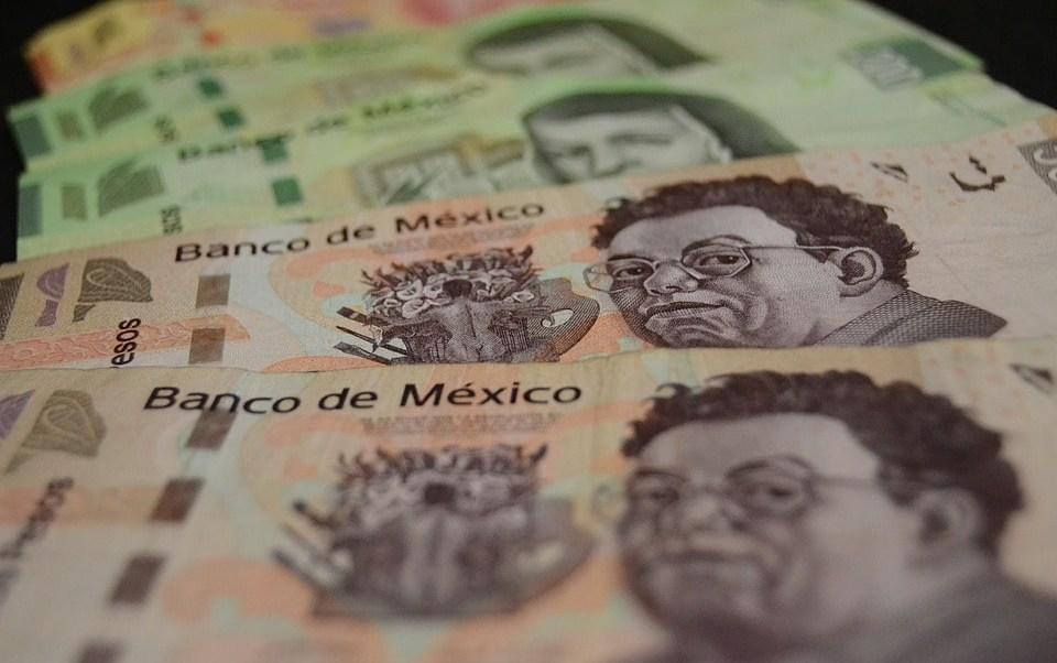 billetes-de-500-y-200-peso-mexicano-moneda-nacional-mexicana